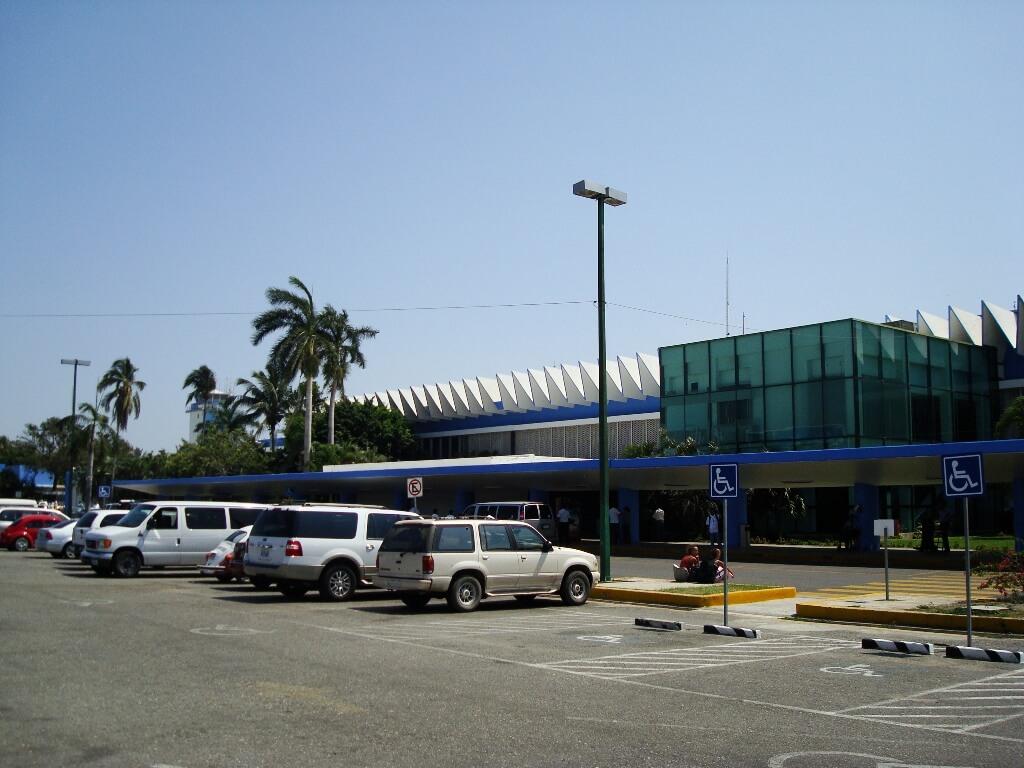 acapulco_-_aeropuerto_internacional_juan_n-_alvarez